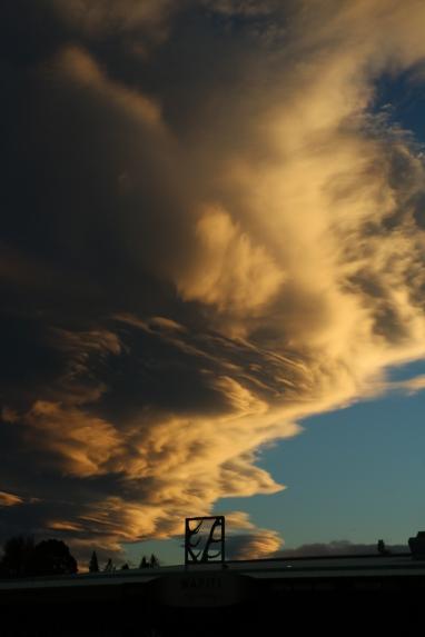 Seltsame Wolken am Abend in Te Anao